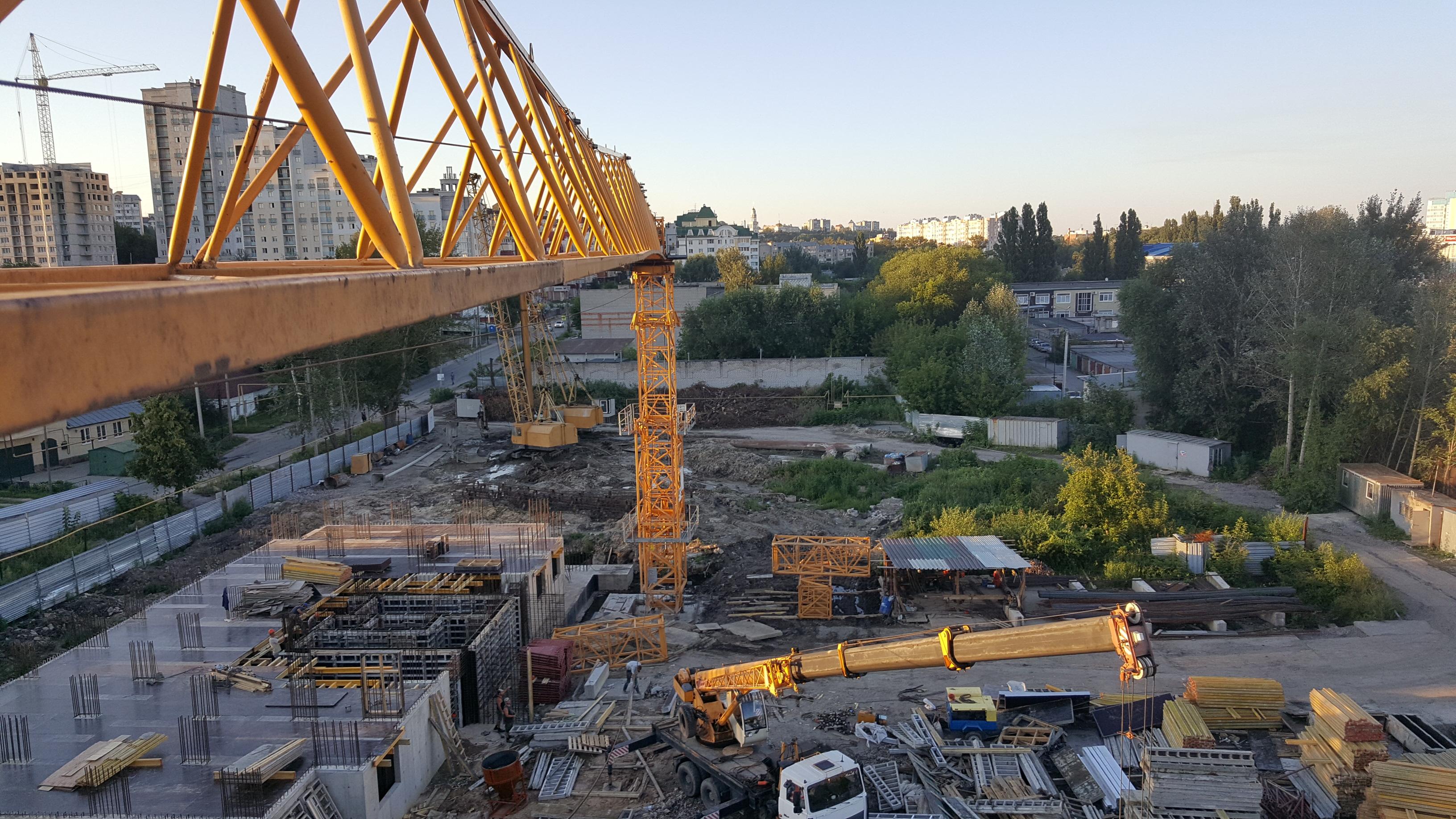 Липецк строительство жилого массива 21 этаж Liebherr 130 EC-B